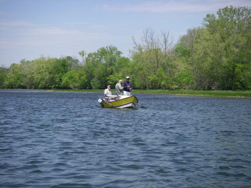 Tennessee guided fly fishing drift boat guides rocky top anglers